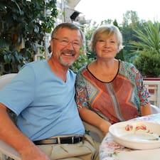 Ziggy And Barbara je domaćin.