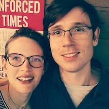 Jessica & Dmitry的用戶個人資料
