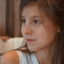 โพรไฟล์ผู้ใช้ Maria Laura