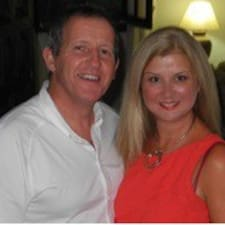 โพรไฟล์ผู้ใช้ Neil & Debbie
