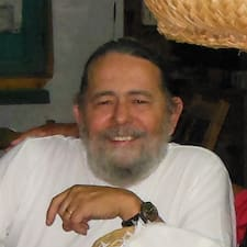 Chiquitín is the host.
