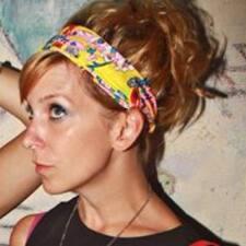 Profil korisnika Julia Lowrie