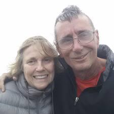 โพรไฟล์ผู้ใช้ Mark & Rosemary