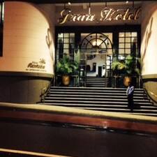 Granhotel is the host.