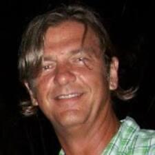 Jerry Dean felhasználói profilja