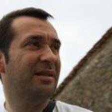 โพรไฟล์ผู้ใช้ Victor Manuel