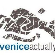 โพรไฟล์ผู้ใช้ Venice Actually