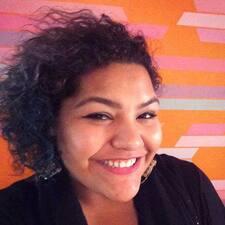โพรไฟล์ผู้ใช้ Karla M