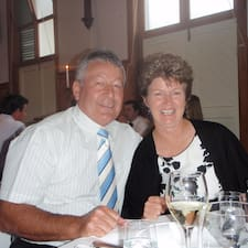 Peter & Sandra is the host.