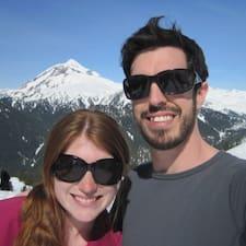 โพรไฟล์ผู้ใช้ Melanie & James