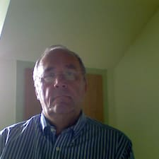 Nutzerprofil von Helmut