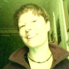 FloyinParis User Profile
