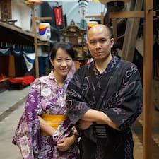 Yujen es el anfitrión.