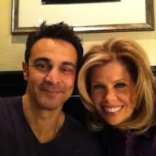 โพรไฟล์ผู้ใช้ Lisa & Seth