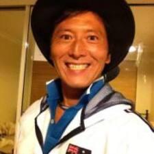 Toshiaki ist der Gastgeber.