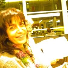 Ana María is the host.