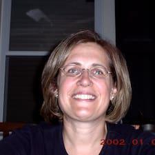 โพรไฟล์ผู้ใช้ Deborah