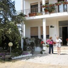 Bruna & Maurizio je domaćin.