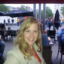 Carinne felhasználói profilja