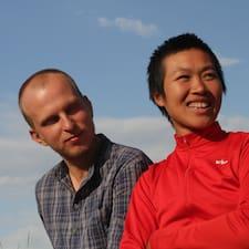 Trang & Roman User Profile