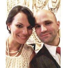 โพรไฟล์ผู้ใช้ Danielle & Travis
