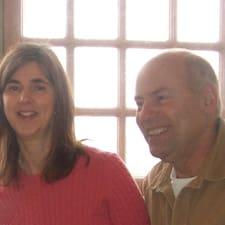 โพรไฟล์ผู้ใช้ Cindy And Gary