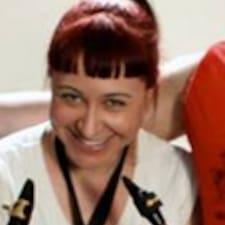 Carrie-Anne - Uživatelský profil