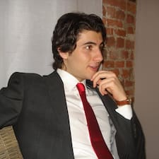 Eugenio és l'amfitrió.