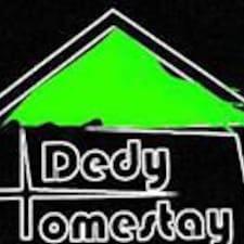 Dedy est l'hôte.
