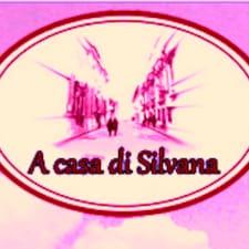 Giovanni ist der Gastgeber.