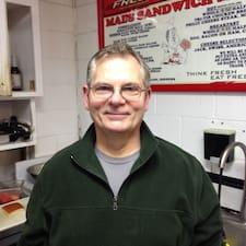 โพรไฟล์ผู้ใช้ Dennis