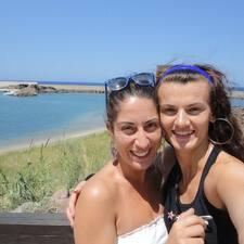 Eleonora & Xenya je domaćin.