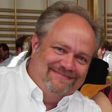 Hans Timothy User Profile