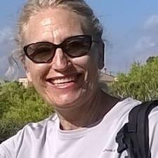 Ana María è l'host.
