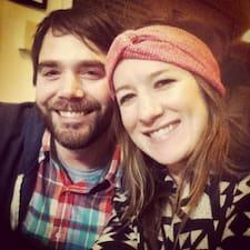 Chris & Sarah的用戶個人資料
