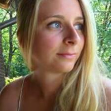 Isabella felhasználói profilja
