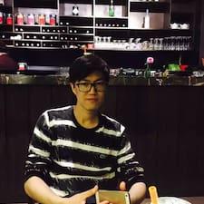 YiFei felhasználói profilja