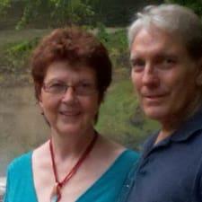 Lynn And Bill的用戶個人資料
