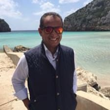 Carlos ist der Gastgeber.