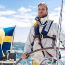 Fredrik je domaćin.
