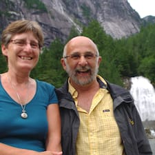 Helen & Michel的用户个人资料