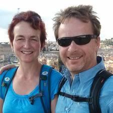 โพรไฟล์ผู้ใช้ Angelika Und Peter