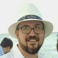 Profilo utente di Charles