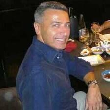 Domenico est l'hôte.