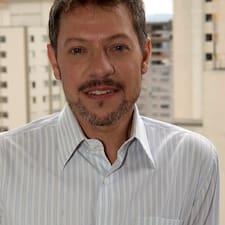 José Luis是房东。