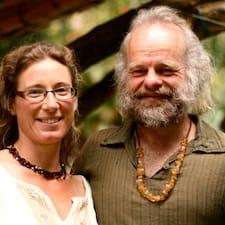 Suzanne & Phil Kullanıcı Profili