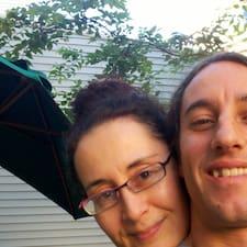 Sharon And Sebastian felhasználói profilja