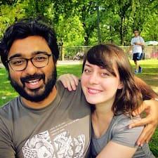 โพรไฟล์ผู้ใช้ Arvind & Angela
