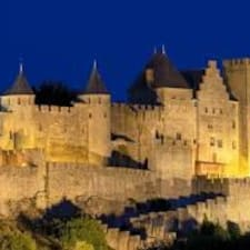 Number 11 Carcassonne Accommodation is the host.