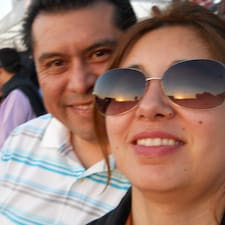 Emelina Y Miguel er SuperHost.